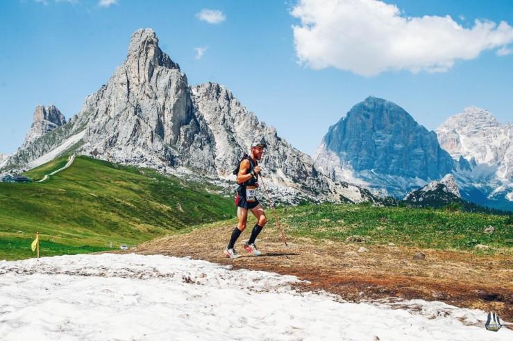 thumbnail_2019_06_28_sportiva-lavaredo-ultra-trail-2019_passo-giau-km-102-lut-and-km-69-ultradolomites_sportiva-lavaredo-ultra-trail-2019-7507244-60303-296-01